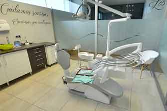 Visita Virtual Google Street View de la Clínica Dental Nou Dent en la calle Vall de la Ballestera de Valencia