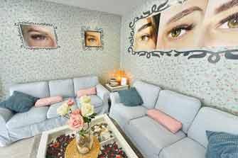 sala de espera del salón especializado en pestañas: Las Pestañas de Julia, en Valencia